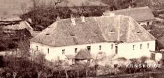 Krnsko cca 1865- výřez / pohled nabývalou školu, dnes obecní úřad (postaveno 1801)